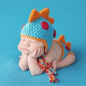 Crochet dinosaur hat and diaper cover